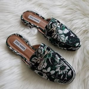 """Steve Madden """"Chess"""" Flat Loafers Size 9.5"""